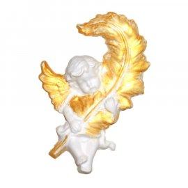 Aniołek ze złotymi skrzydłami i piórem gipsowa figurka 13 cm